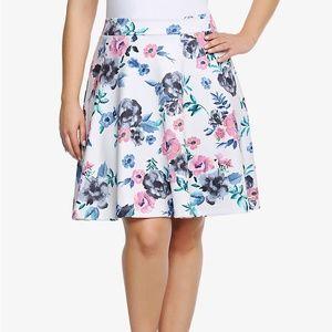 Torrid Mini Floral Skater Skirt Scuba Size 1 1X